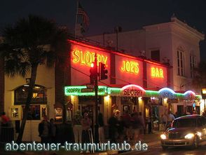 Foto:Sloopy Joes Bar in der Duval Street Key West - Florida