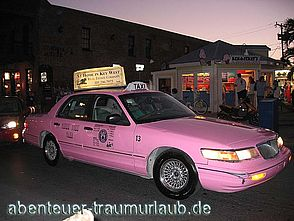 Pink Taxi am Mallory Square auf Key West - Florida.