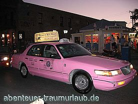 Foto: Pink Taxi am Mallory Square - Key West.